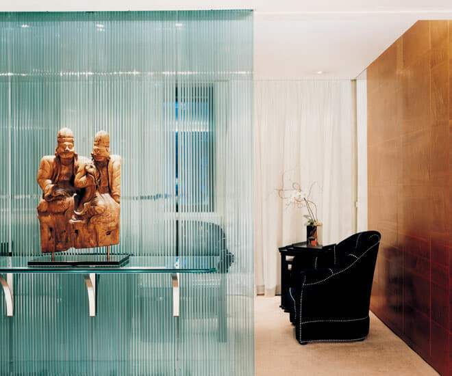 A myriad of Eastern art and sculptures adorns the various spaces in the COMO The Halkin including the Belgravia Suite