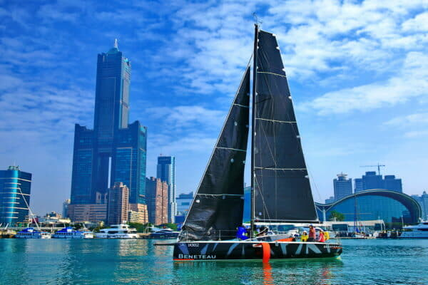 After finally arriving in Taiwan, the Figaro 3 was taken out in beautiful weather