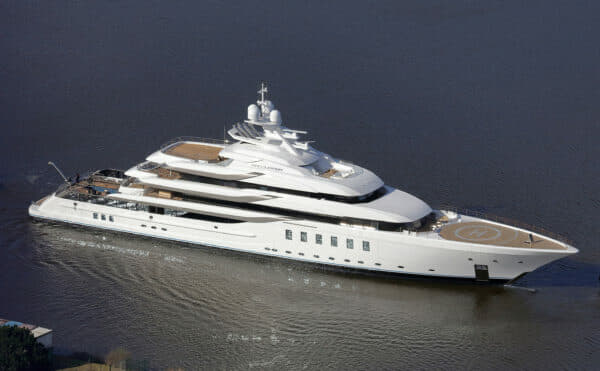 The 95m Madsummer has a fabulous pool and jacuzzi deck aft protected by glass bulwarks