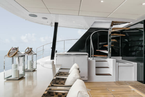 The large cockpit offers access to the flybridge via an elegant semi-circular staircase