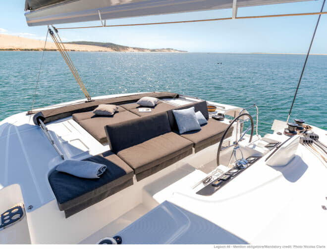 The flybridge successfully combines relaxation and navigation