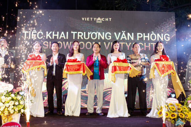 Vietyacht founder Duc Thuan Nguyen (second left) launches the Ha Long City showroom