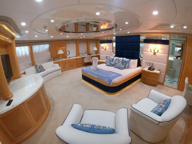 A 129ft Heesen build, Lady Azul has an upgraded interior