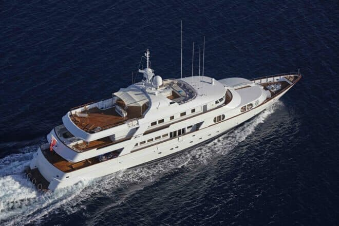 Azul V is a 48.3m motor yacht built by CRN, part of Italy's Ferretti Group