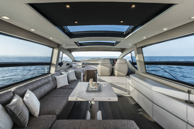 Pershing 7X: A fully retractable glass door leads to the saloon, which offers panoramic views