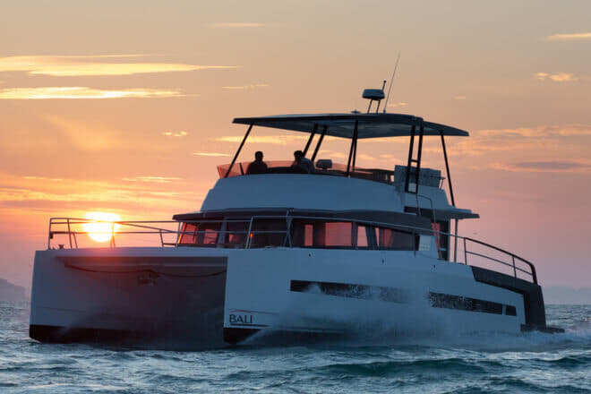 The Bali 4.3 MY had a top speed of 23 knots during the sea trial