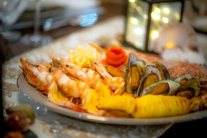 Lady Azul is renowned for its cuisine thanks to an experienced superyacht chef