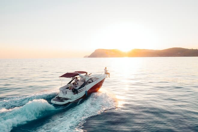 Yacht Chartering: Experiencing the luxurious way of life